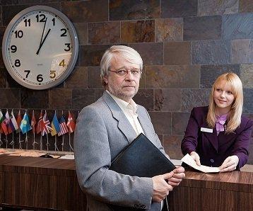 hotel guest reservation procedure